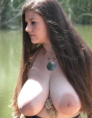 Big Boobs Nipples Porn Pictures